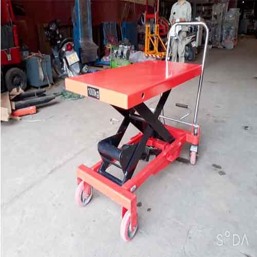 Xe nâng mặt bàn 1 tấn hiệu Niuli giá rẻ chính hãng.